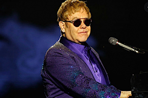 Elton-John-Don-t-Let-the-Sun-Go-Down-on-Me.jpg