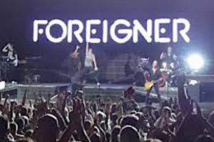 Foreigner-Urgentb.jpg