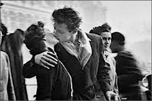 3Young-When-I-Fall-in-Love-Robert-Doisneau.jpg
